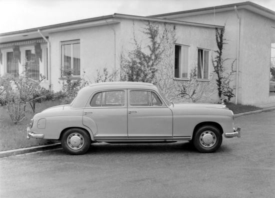 Mercedes-Benz 220a