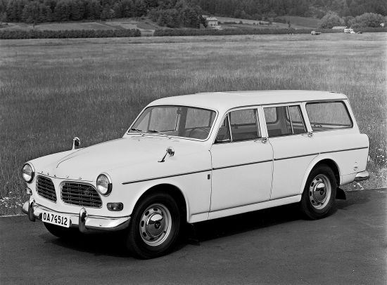 Volvo P220 Amazon Estate