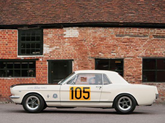 Ford Mustang 289 Racing Car