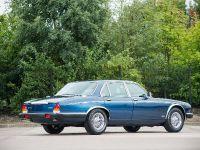 1988 Daimler Double Six Series III, 2 of 6