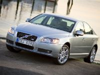 Volvo V70 and S80, 1 of 6