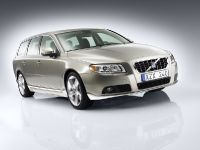 Volvo V70 and S80, 4 of 6
