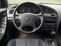 2003 Hyundai Elantra GT 4-Door
