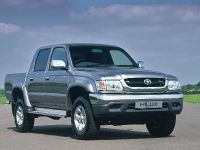 thumbnail image of 2004 Toyota Hilux Invincible