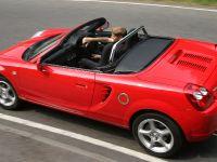 2004 Toyota MR2 Roadster