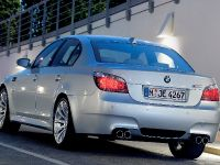 2005 BMW M5, 2 of 4