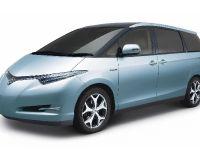 thumbnail image of 2005 Toyota Estima Hybrid Concept