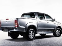 thumbnail image of 2005 Toyota Hilux