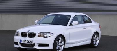 BMW 1 Series E82 135i Coupe (2007) - picture 4 of 12
