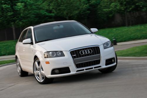 Четыре Модели Audi Зарабатывать 2009 Consumer Guide® Automotive Похвалы