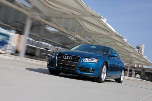 Audi A5 выигрывает 2009 активного образа жизни Автомобиль года признание