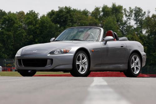 2009 Honda S2000 определяет Racing-inspired Performance