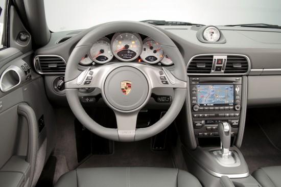 Porsche 911 Carrera 4 & Carrera 4S
