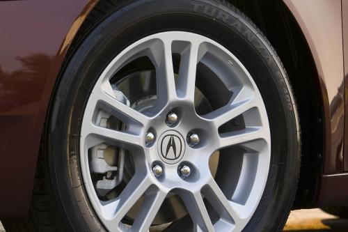 Все-Новый 2009 TL Переопределяет производительности с самым мощным двигателем Acura в истории и Super обработка All-Wheel Drive™