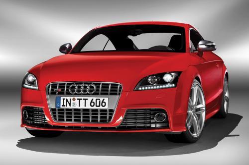 Audi устанавливает 2009 мои цены на новый TTS Coupe и TTS Roadster
