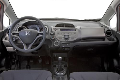 Все-Новый 2009 Honda Fit Большой на стиль и утонченность, небольших на цена и расход топлива