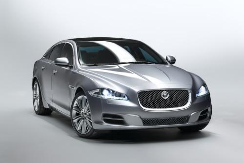 Новый Jaguar XJ официально открыл