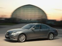 thumbnail image of 2009 Mercedes-Benz S 500 4MATIC AMG