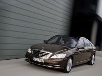 2009 Mercedes-Benz S-Class, 2 of 7