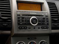 2009 Nissan Sentra SE-R, 3 of 8