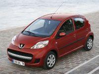 2009 Peugeot 107, 2 of 4