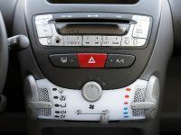 2009 Peugeot 107, 3 of 4