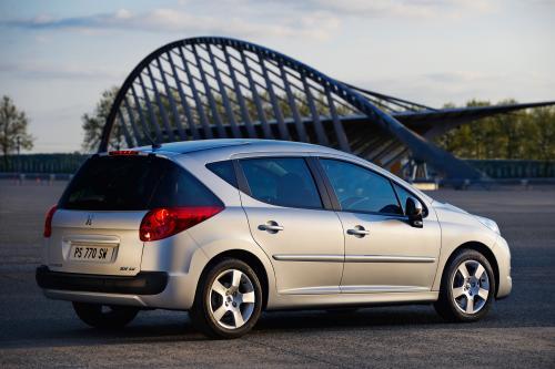 Peugeot обновляет 207 SW диапазон