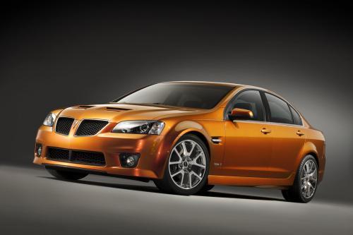 Pontiac G8 шорт-лист престижной премии North American Car of the Year - фотография pontiac