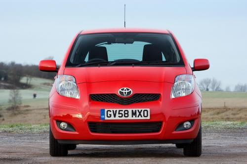 Toyota Yaris (2009) - picture 1 of 25