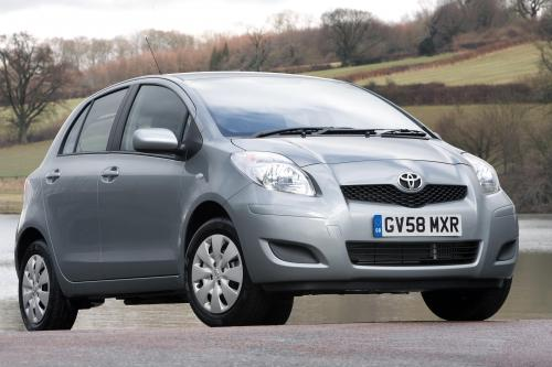 Toyota Yaris (2009) - picture 17 of 25