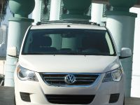 2009 VW Routan, 7 of 11