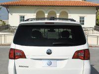 thumbnail image of 2009 VW Routan