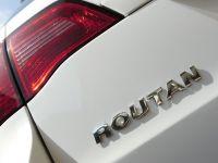 2009 VW Routan, 5 of 11