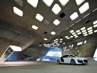 2010 Audi R8 5.2 FSI quattro, 10 of 13