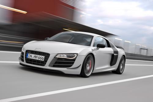 Audi R8 GT - больше мощность, меньше вес и потрясающее ускорение