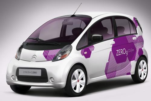 Citroen C-Zero компактный электрический автомобиль