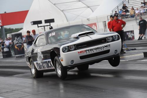 Mopar объявила подробности на 2010 Dodge Challenger Drag Pak программы