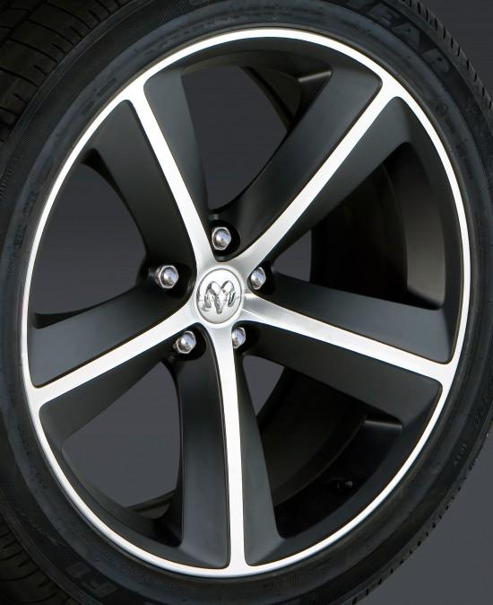 Dodge Challenger Furious Fuchsia