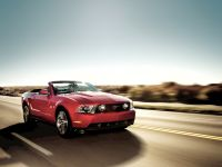 2010 Ford Mustang Convertible, 4 of 6