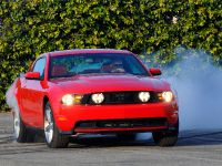 2010 Ford Mustang GT, 3 of 14