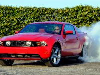 2010 Ford Mustang GT, 4 of 14