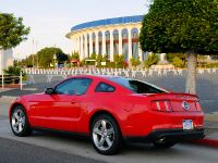 2010 Ford Mustang GT, 7 of 14
