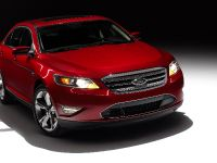 2010 Ford Taurus SHO, 4 of 19