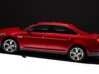 2010 Ford Taurus SHO, 6 of 19