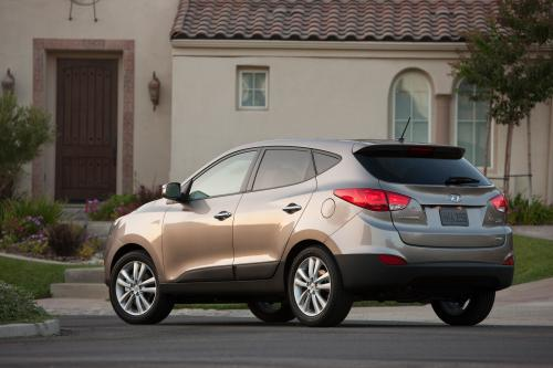 2010 Hyundai Tucson предлагает гораздо больше, чем его предшественник