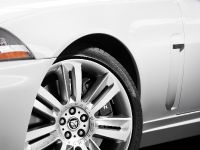 2010 Jaguar XKR, 17 of 21