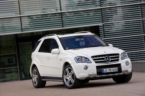 Mercedes-Benz выпускает обновленный ML63 AMG