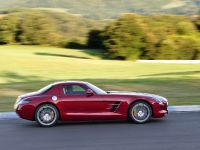 2010 Mercedes-Benz SLS AMG, 11 of 36