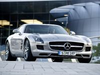 2010 Mercedes-Benz SLS AMG, 23 of 36