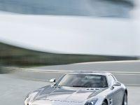 2010 Mercedes-Benz SLS AMG, 25 of 36